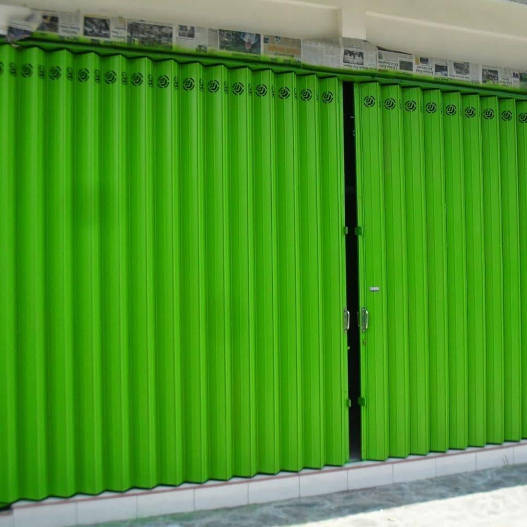 Bagaimana Memilih Pintu yang Ideal untuk Ruko 1024x1024 - Harga Pintu Besi Harmonika Ekonomis Hanya di LogamJaya