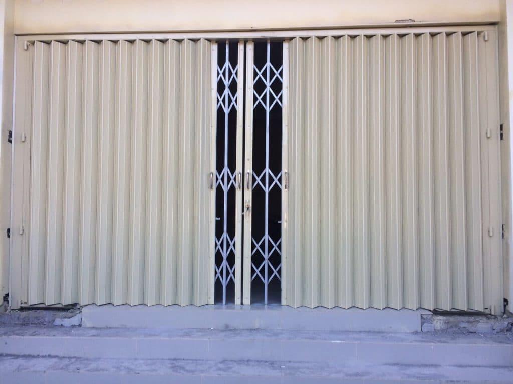 Memiliki Desain yang Bernilai Komersil pintu harmonika