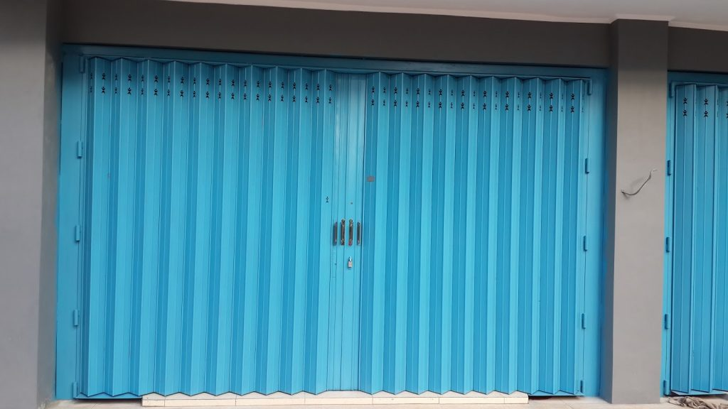 Menambahkan Nilai Estetika Pada Toko Anda 1024x576 - Keunggulan Pintu Toko Harmonika Kualitas Super